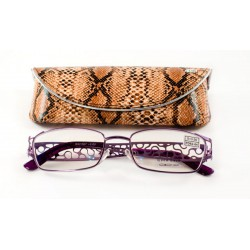 Женские очки в яркой оправе...